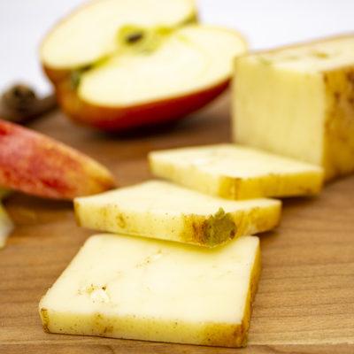 apple cinnamon cheddar