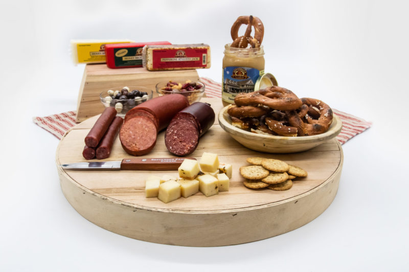 farm favotires deluxe cheese gift set